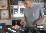 Video: DJ Rafik rockt eine kurze Routine mit Native Instruments Maschine