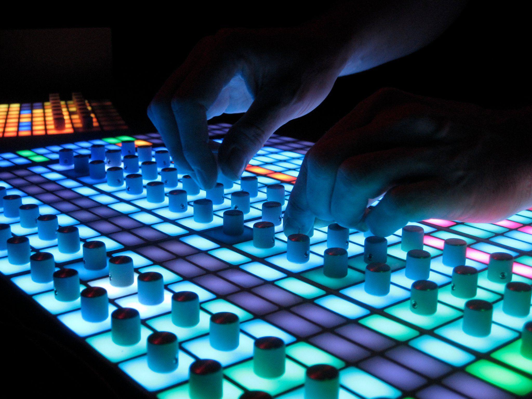 Station MIDI-Controller von Techno Produzent Ander