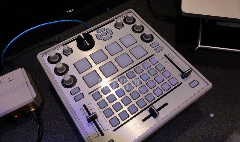 Electrix Tweaker - DJ-Controller, NAMM 2012