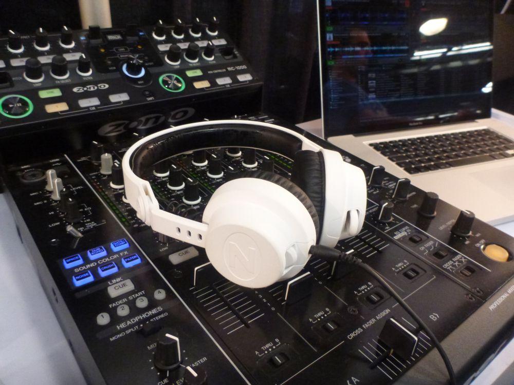 Zomo HD-2500 DJ-Kopfhörer, NAMM 2012