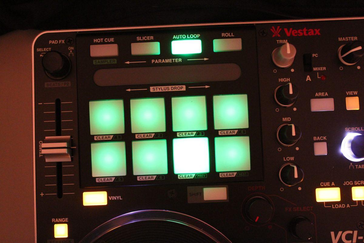 Video: Vestax VCI-380 PAD-Effekte und Kurzübersicht