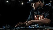 Video: Serato SSL Performance Video mit Mix Master Mike und den neuen Control Vinyls