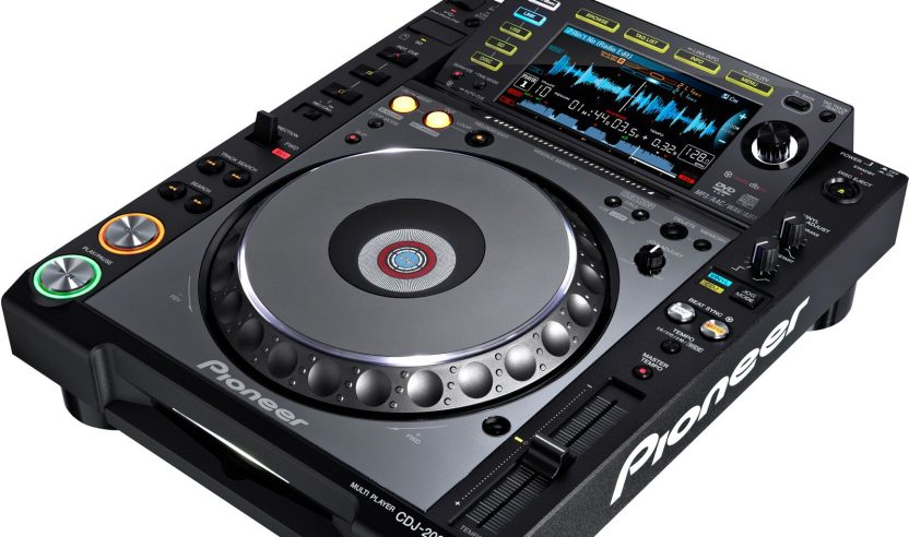 Test: Pioneer CDJ-2000 nexus - Alles wissenswerte über den neuen MediaplayerReview: Pioneer CDJ-2000 nexus  Everything you need to know about the new mediaplayer