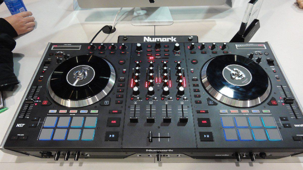 NAMM 2013: Numark NS7 MK2 - Der neue Pioneer DDJ-SX Killer?NAMM 2013: Numark NS7 MK2 – The new Pioneer DDJ-SX killer?