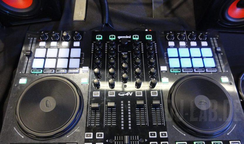 NAMM 2013: Gemini G4V - 4-Deck DJ-Controller für Virtual DJNAMM 2013: Gemini G4V – 4-Deck DJ-Controller for Virtual DJ