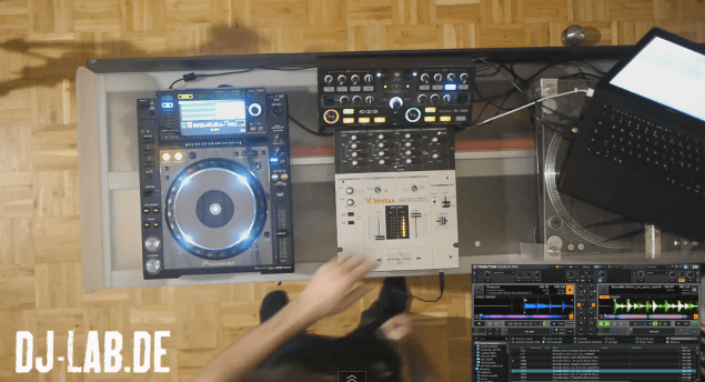 Video: Pioneer CDJ-2000 Nexus + Zomo MC-1000 - die perfekte Combo für Traktor im externen Modus?Video: Pioneer CDJ-2000 Nexus + Zomo MC-1000 - the perfect combo for Traktor´s external mode?