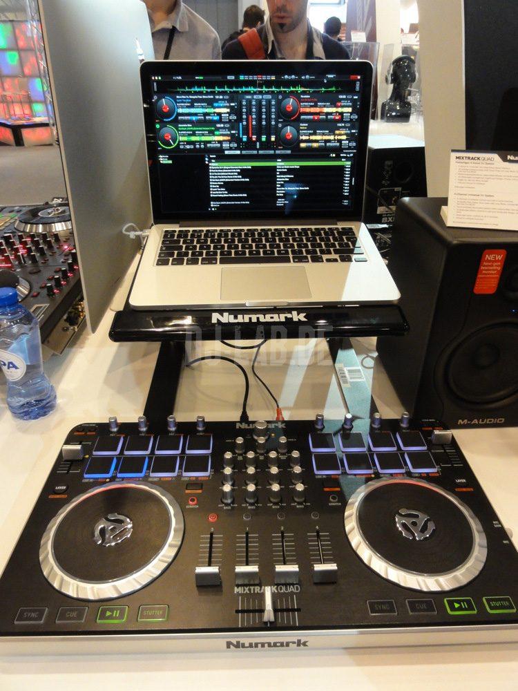 Numark Mixtrack Quad: 4-Deck Controller für Virtual DJ, Musikmesse 2013Numark Mixtrack Quad: 4-Deck Controller for Virtual DJ, Musikmesse 2013