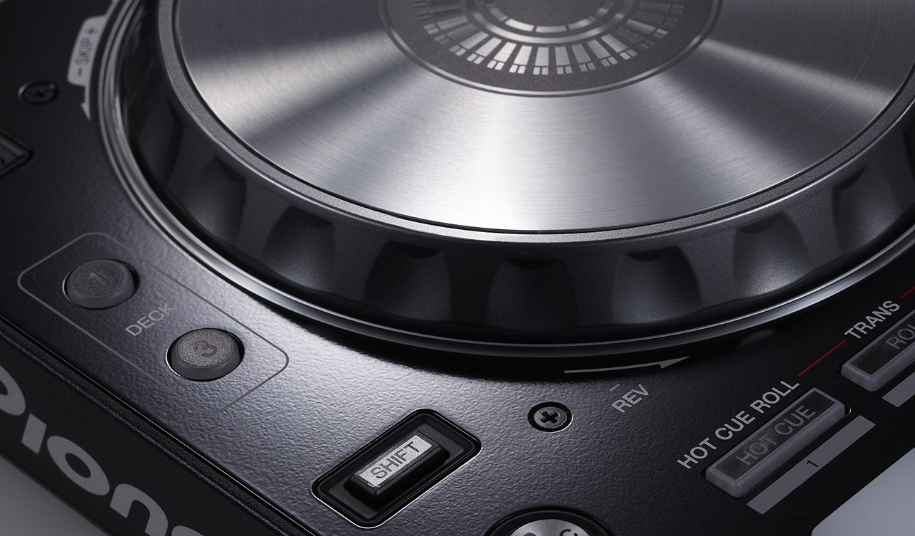 Neu: Pioneer DDJ-SR - 2-Kanal Controller für Serato DJ