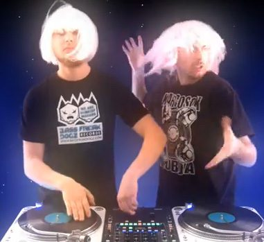 Video: Fong Fong & Groove Sparkz – Space WigsVideo: Fong Fong & Groove Sparkz – Space Wigs