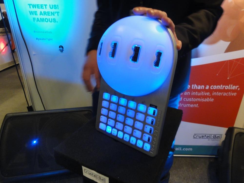 Naonext Crystall Ball - MIDI-Controller mit Bewegungssensoren, Musikmesse 2014
