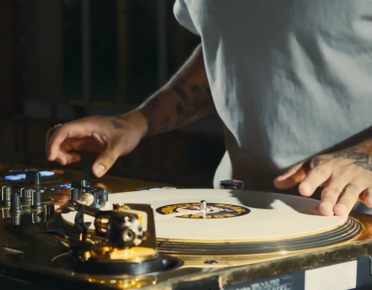 "Video: ""New Slaves Routine"" - DJ Craze zeigt der EDM-Welt was ""RealDJing"" ist."