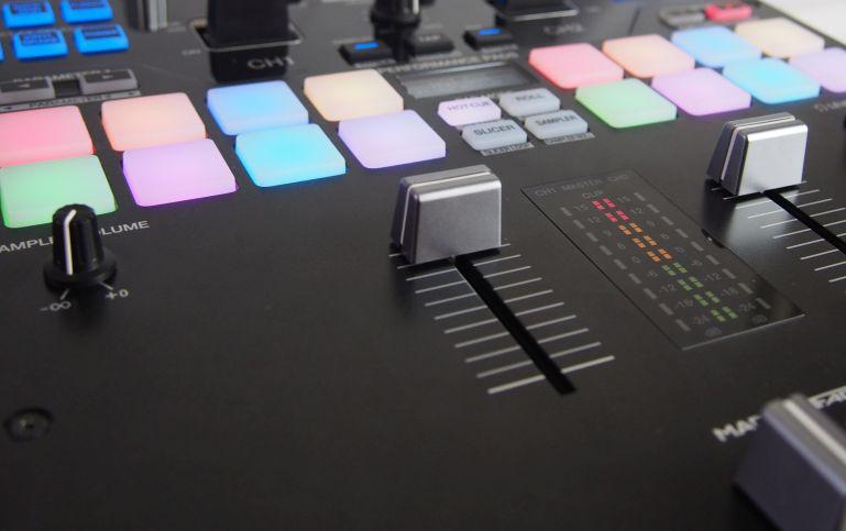PIONEER DJM-S9 Review