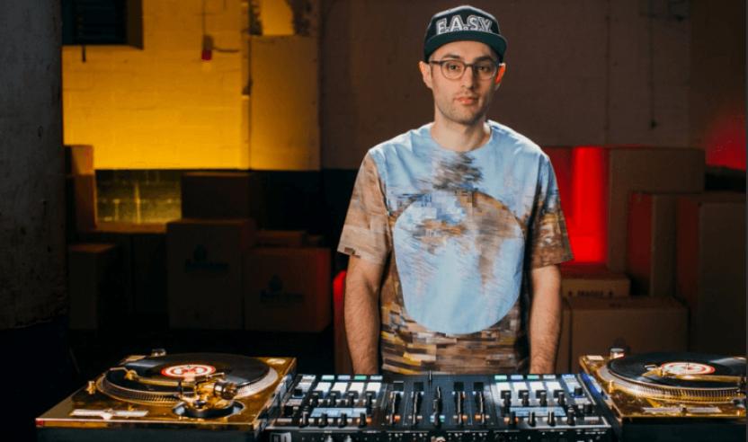 """DJ Shiftee """"At The Kontrol"""""""