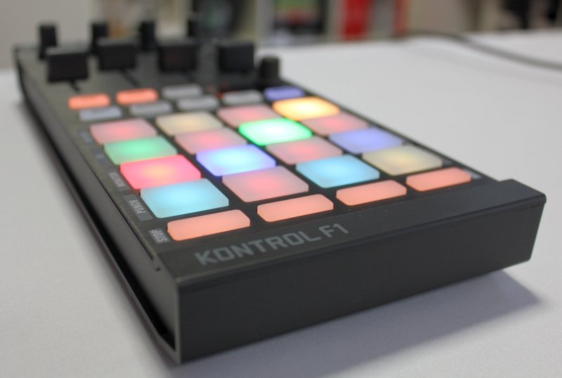 NI TRAKTOR KONTROL F1 – Review