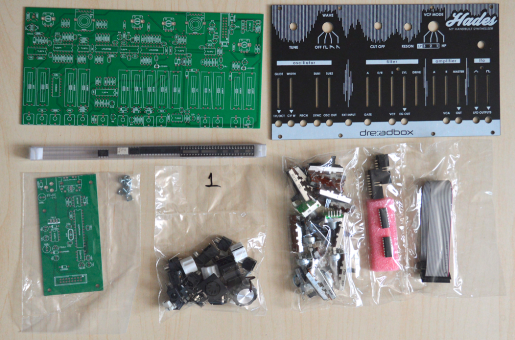 Hades DIY Kit Einzelteile.