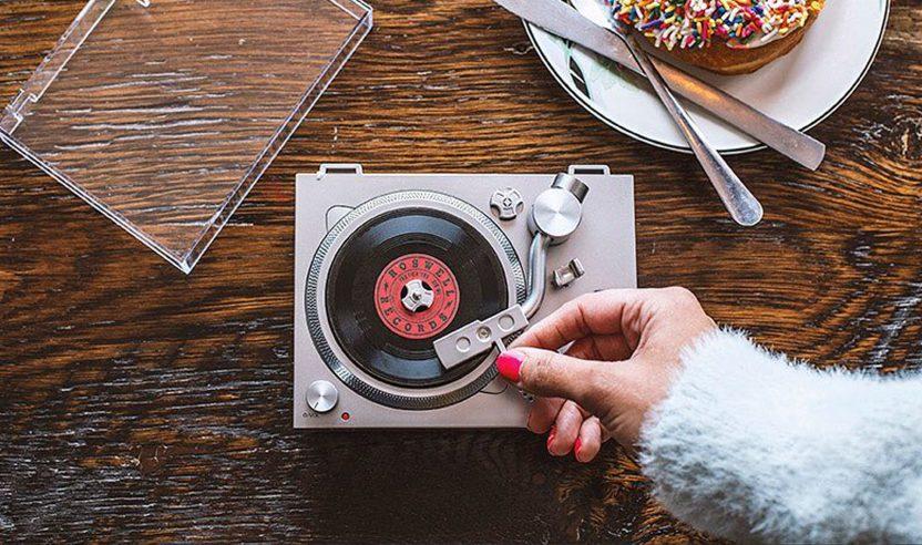 Den RSD3 3 Inch Plattenspieler gibt es exklusiv am Record Store Day