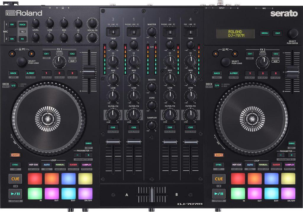 Der Roland DJ-707M DJ-Controller in der Draufsicht.