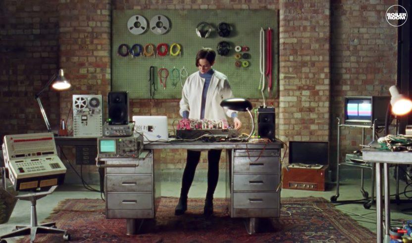 Videotipp: Boiler Room erklärt Klänge und Soundsynthese