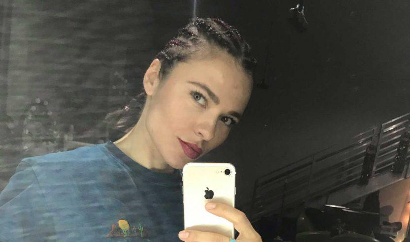 Nina Kraviz: Vorwürfe des Rassismus und kultureller Aneignung nach Frisur-Post