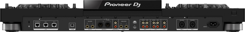 Der XDJ-XZ von Pioneer DJ von hinten.