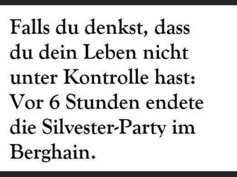 Berghain SIlvester Meme.