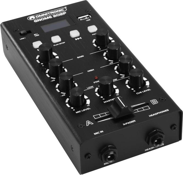 Der Gnome 202P Mixer von Omnitronic in der Schrägsicht..