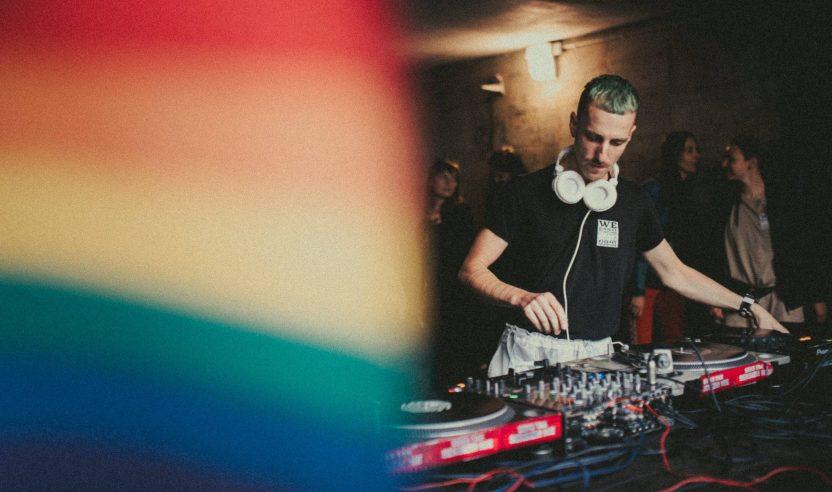 DJ Avtomat wurde bei polnischer LGBTQI-Demo verhaftet