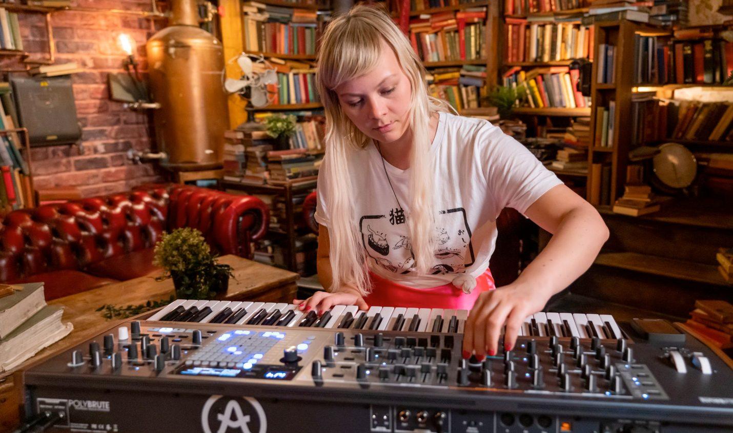 Arturia PolyBrute: Polyphoner Morphing-Synthesizer mit Matrix