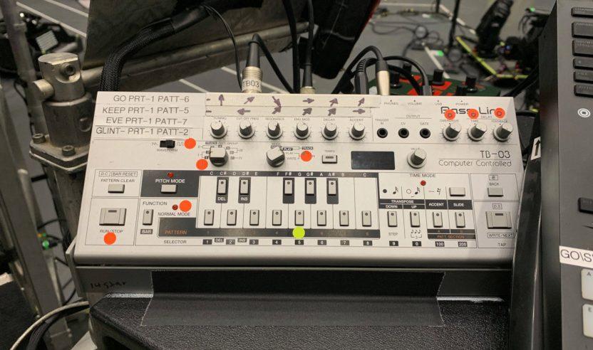 The Chemical Brothers verlosen ihre Roland TB-03 für einen guten Zweck