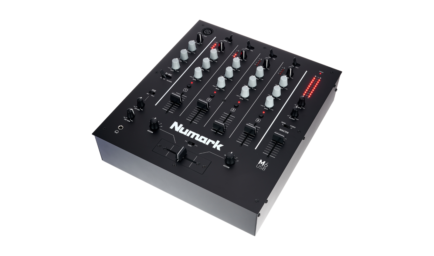 Test: Numark M6 USB / 4-Kanal-DJ-Mixer