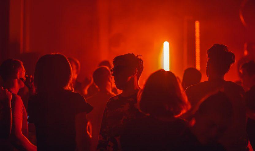 Clubs in den Niederlanden öffnen dieses Wochenende ohne Besuchergrenze