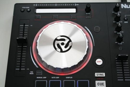 Numark Mixtrack Pro 3 - Decksteuerungen