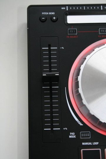 Numark Mixtrack Pro 3 - Pitchfader mit langem Regelweg