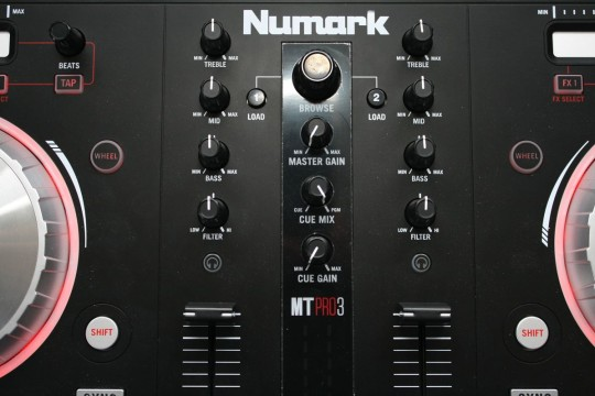 Numark Mixtrack Pro 3 - Mixersektion
