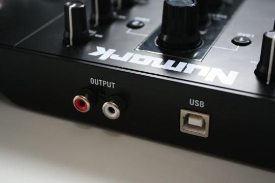Numark Mixtrack Pro 3 - Ausgänge