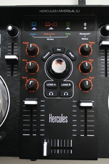 Hercules Universal DJ - Mixersektion