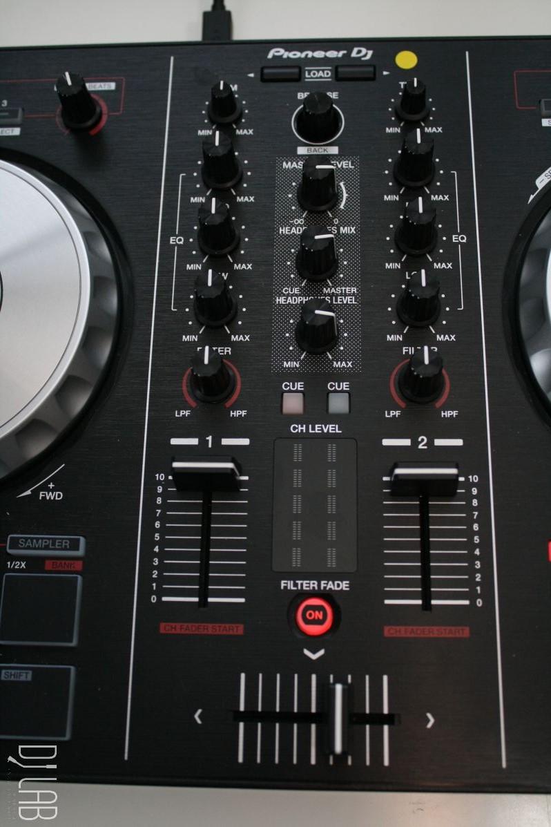 Pioneer DDJ-SB2 - Mixersektion