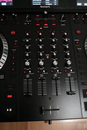 Numark NS7 III - Mixer