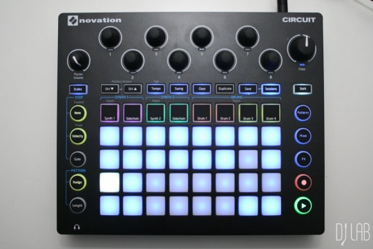 Novation Circuit, Sessions umschalten