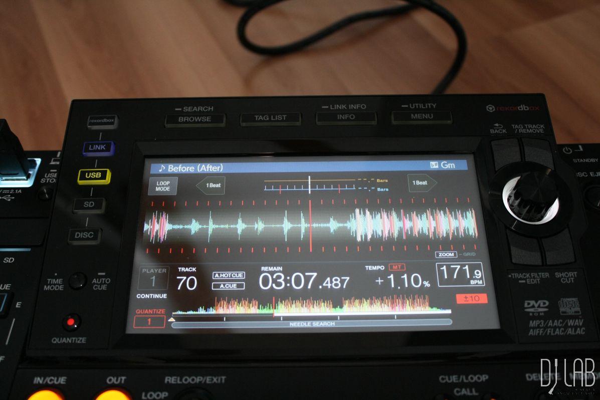 CDJ-2000NXS2 - Display