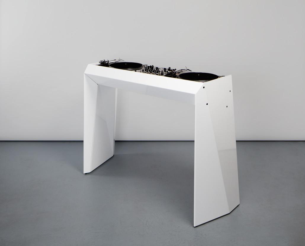 metrofarm dj desk design dj tisch aus metall. Black Bedroom Furniture Sets. Home Design Ideas